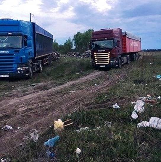 Фірма товариша Садового вивантажила під Києвом 100 тонн львівського сміття