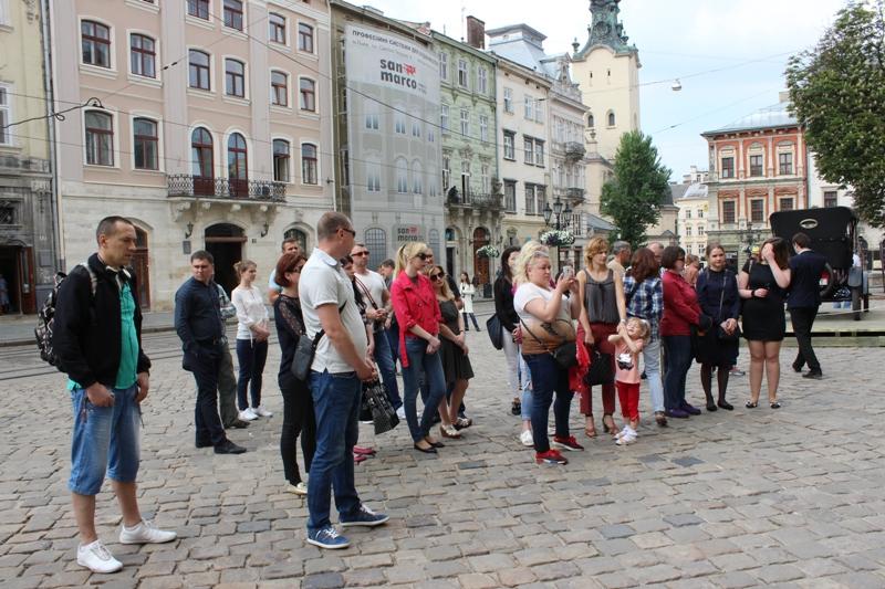 НаЛьвівщині згадують загиблих рятувальників насміттєзвалищі уГрибовичах (відео)