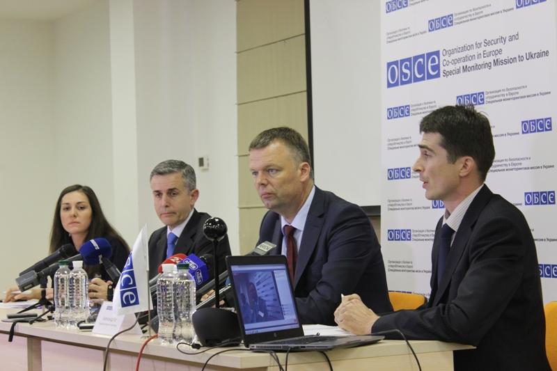 ВОБСЄ помітили знаки розрізнення російської армії убойовиків наДонбасі