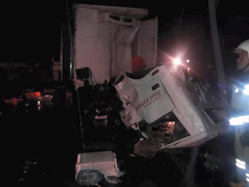УЛьвівській області зіткнулися вантажівки, є загиблий