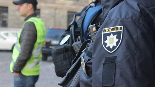 Львівського поліцейського спіймали на хабарі у сім тисяч